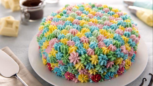 Torta con panna multicolor