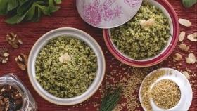 Bulgur con pesto di erbe fresche e noci