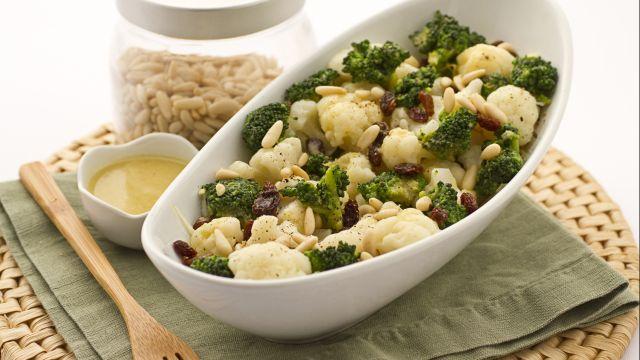 Insalata di broccoli, cavolfiori e indivia