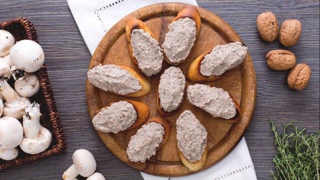 Crostini con patè di funghi