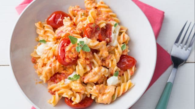 Pasta con pomodorini e stracchino