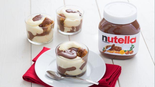 Coppe di pandoro, crema e Nutella®