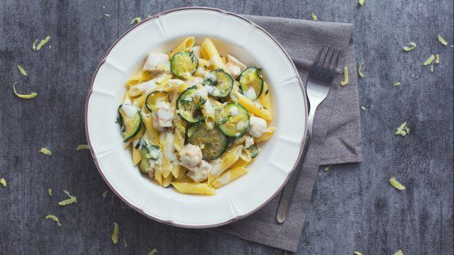 Pasta con pollo e zucchine